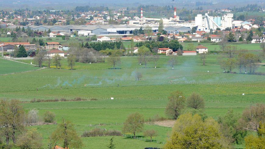 La prison doit être construite au milieu de ces champs, où des opposants avaient manifesté au mois d'avril 2017.