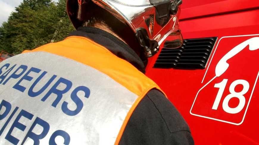 Le corps d'une femme a d'abord été retrouvé ce lundi dans la bâtisse en feu à Saint-Julien-d'Ance