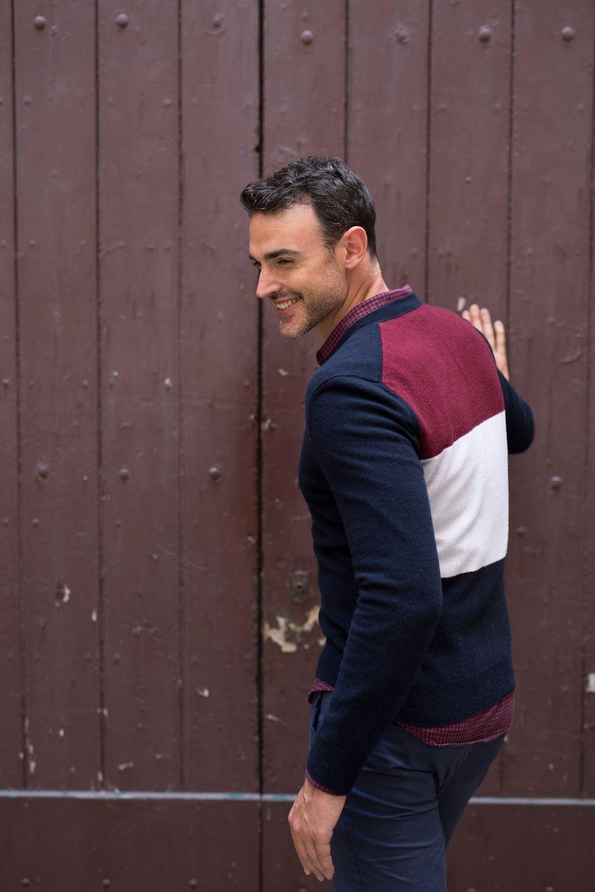 Un pull français tricolore