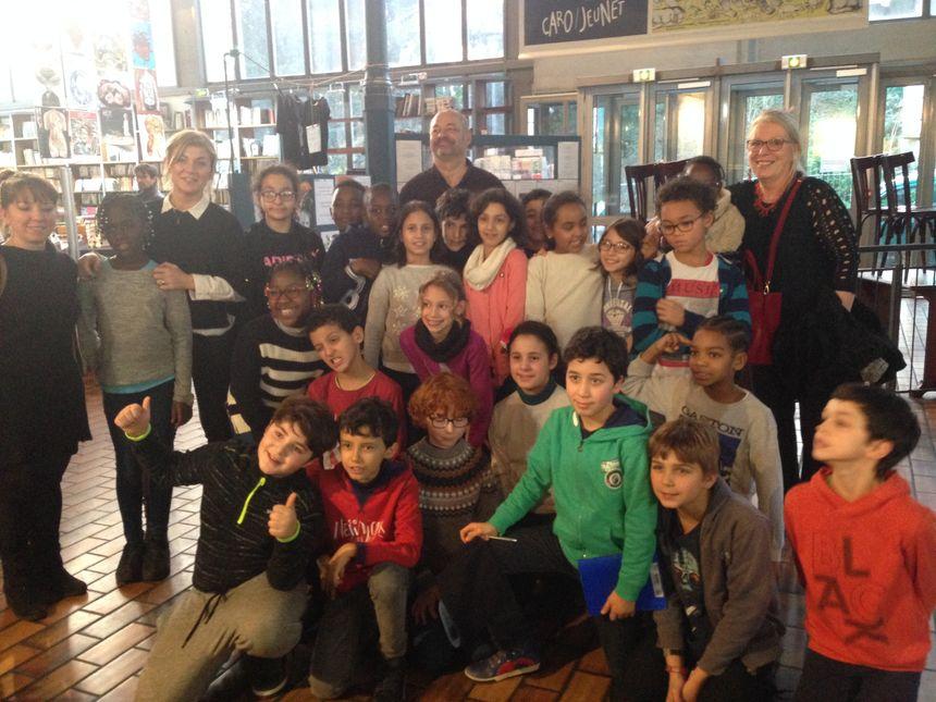 Les élèves de CM1 de l'école Julien Lacroix avec Jean-Pierre Jeunet