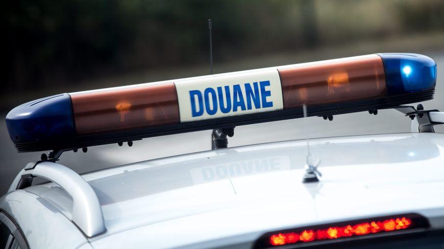 Un automobiliste a tenté d'échapper aux douaniers  à Vitrolles alors qu'il transportait 50 kilos d'herbe de Cannabis