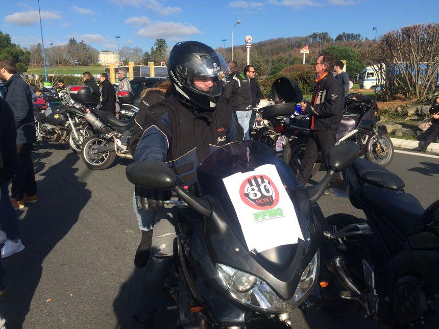 """Une centaine de motards """"en colère"""" sont venus participer à la manifestation"""
