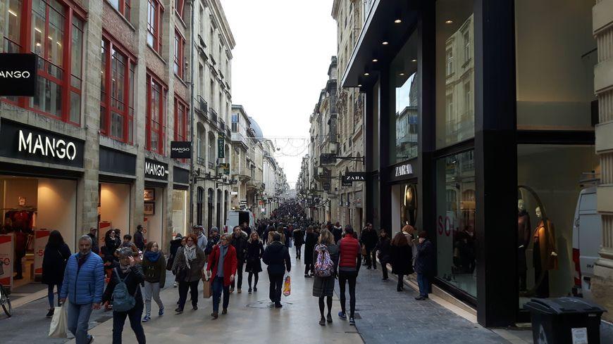 Forte affluence rue Sainte-Catherine