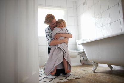 La serviette de bain, terrier idéal pour les microbes