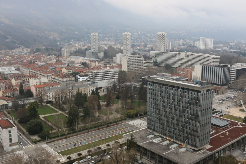 Après l'effort les pompiers sont allés profiter de la vue du haut des 93 mètres de la tour Perret.