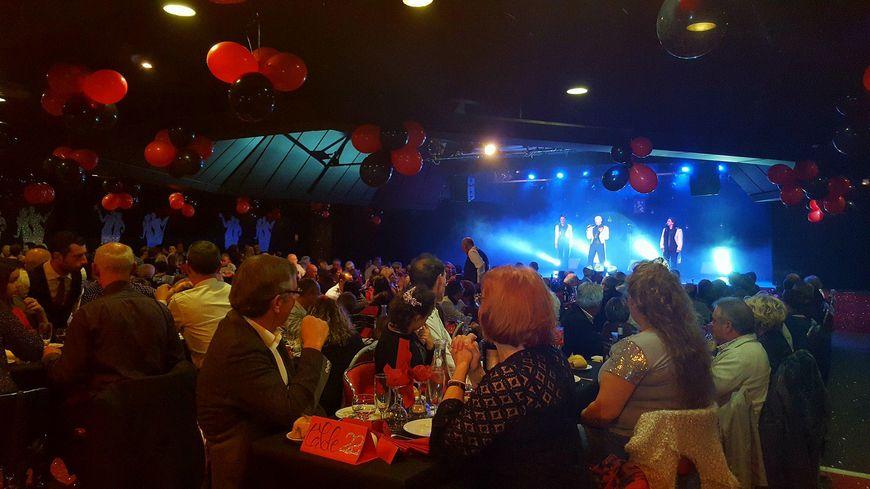 Plus de 250 personnes ont assisté au spectacle du nouvel an du music-hall de Bergerac.