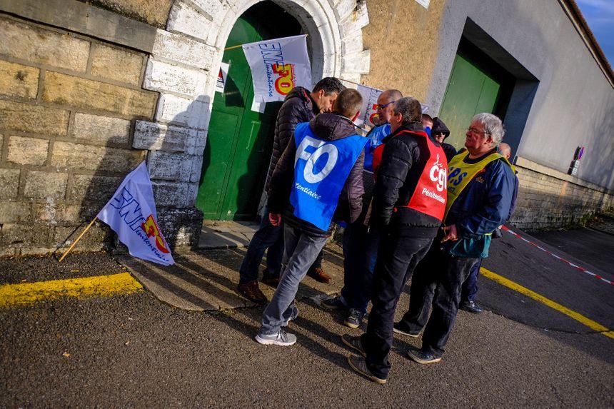 Piquet de grève des gardiens de prison, maison d'arrêt de Vesoul