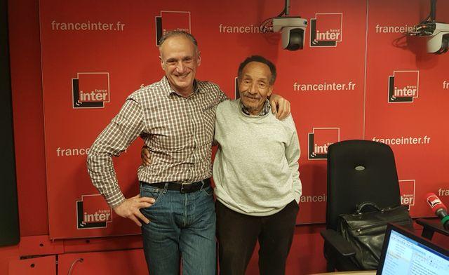 """Denis Cheissoux et Pierre Rabhi dans le studio d'enregistrement de """"CO2 mon amour"""""""