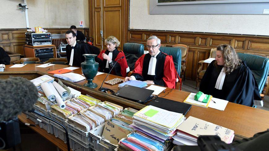 Au troisième jour, la cour d'assises s'est penchée sur la personnalité de Cécile Bourgeon dans le procès de l'affaire Fiona.