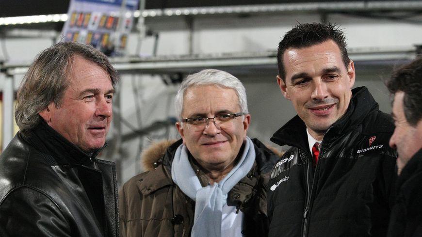 Les présidents bayonnais, Francis Salagoïty et Christian Devèze, et leur homologue biarrot Nicolas Brusque lors du derby BO-Aviron du 28 janvier 2016