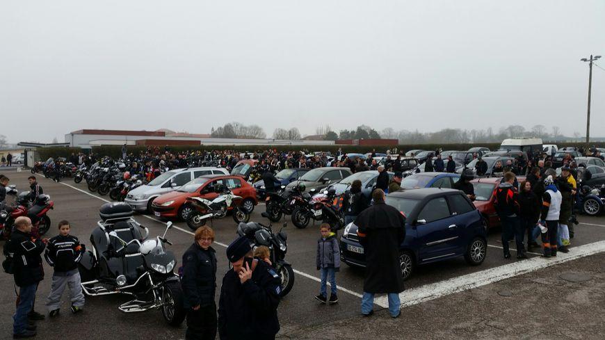 250 véhicules environ ont tenté de bloquer la zone commerciale d'Houdemont