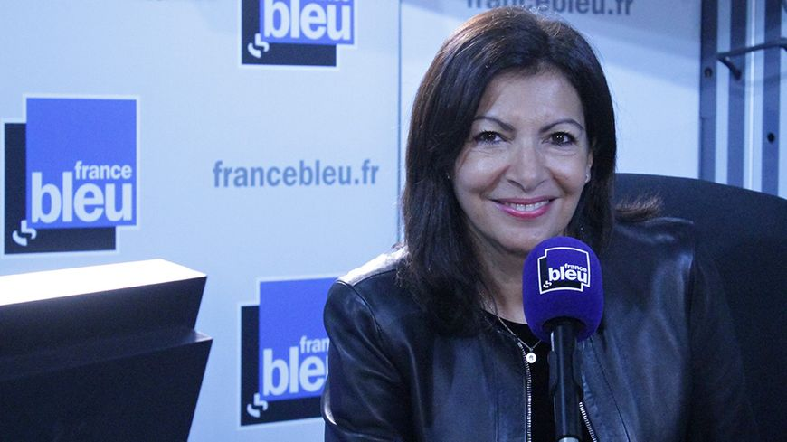 anne hidalgo annonce la cr ation d 39 un passe navigo senior gratuit sur france bleu paris. Black Bedroom Furniture Sets. Home Design Ideas