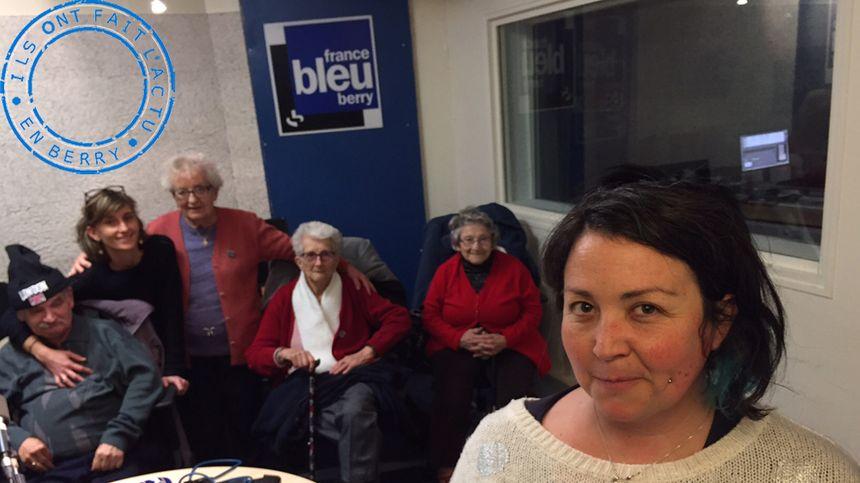Cécyl Gillet (Kaléidoscope) et les retraités dans le studio de France Bleu Berry