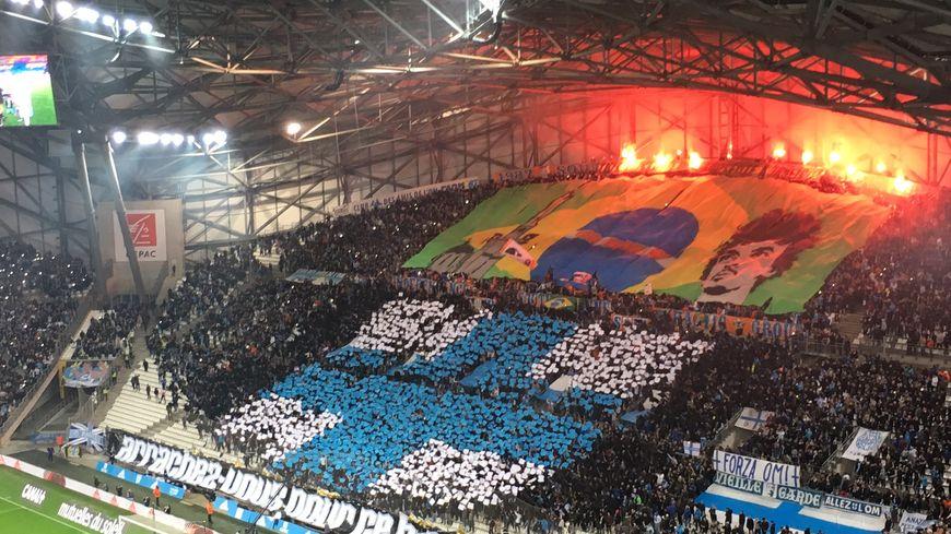 Les supporters marseillais ont encore rivalisé d'imagination pour OM / Monaco, comme ici Virage Sud avec ce tifo en l'honneur du brésilien Luiz Gustavo