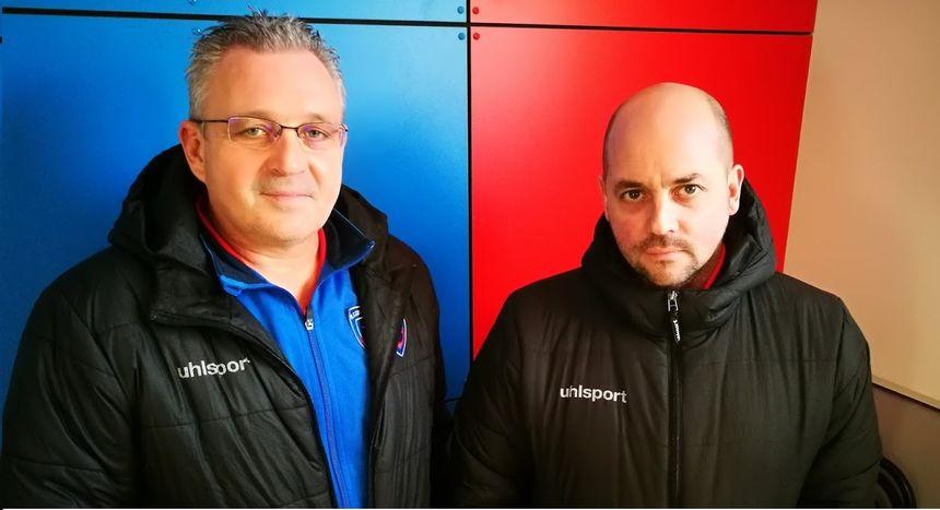 Pascal Laguillier (à gauche) et Nicolas Cloarec (à droite) au club house de l'US Concarnoise