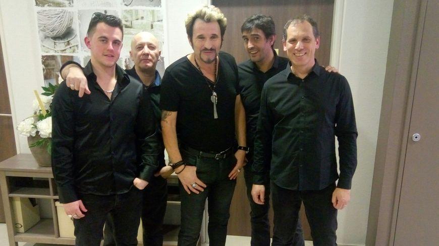 Johnny Vegas et son orchestre ont réunis 250 amoureux du chanteur décédé, samedi en Isère.