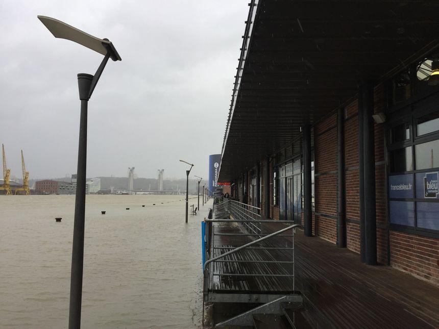 Sur les quais de Seine à Rouen ce mercredi après-midi