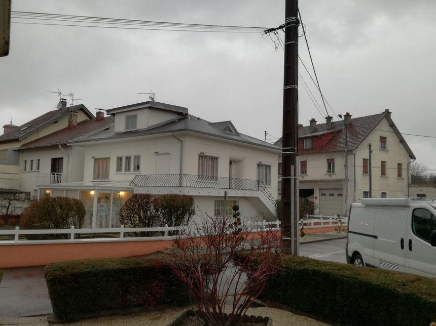 La police scientifique de Dijon est arrivée sur place dans la journée