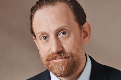 Portrait de Simon Baker, directeur de la Maison Européenne de la Photographie (MEP) à Paris.
