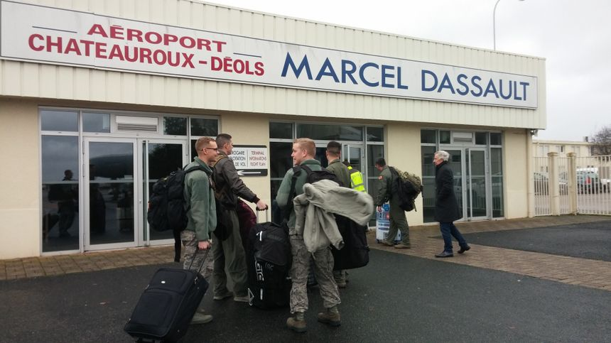 Les Américains ont atterri à Châteauroux après une escale en Allemagne.