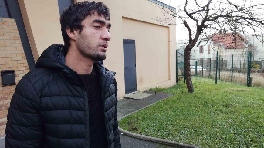 Mohammad Basir Ibrahimi, ancien interprète afghan de l'armée française sans visa