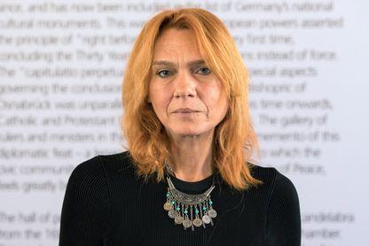 Aslı Erdoğan écrivaine et militante des droits de l'homme  lors de la remise du prix de la paix Erich-Maria-Remarque à Osnabrueck, au nord-ouest de l'Allemagne, le 22 septembre 2017.