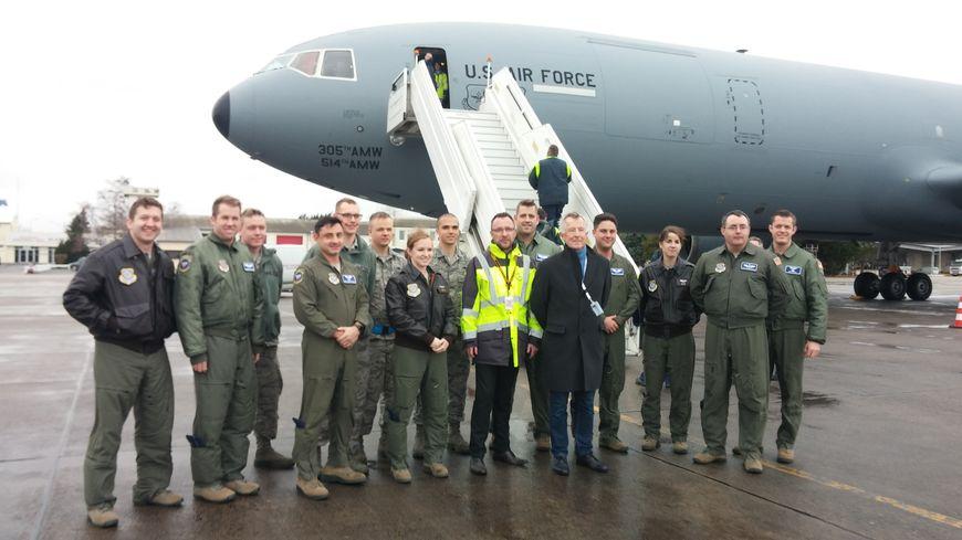 Les 16 militaires ont atterri vers 14h à l'aéroport de Châteauroux après une escale en Allemagne.