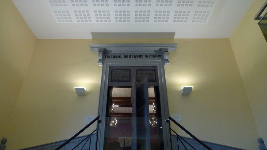 Une possible arnaque via le site le bon coin jug e for Tribunal d instance salon de provence