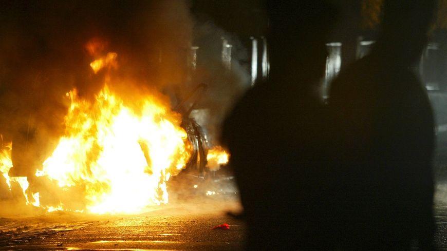 Voiture brûlée à Strasbourg (photo d'illustration)