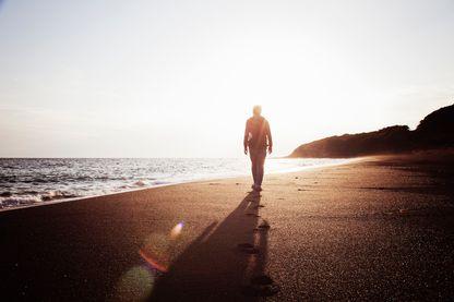 Homme face à l'horizon