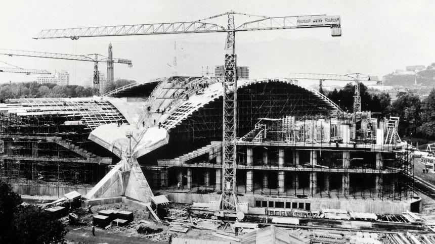 La construction du palais des sports, en 1967.