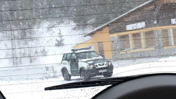 Según esta foto, la Guardia Civil se ha aventurado claramente en territorio francés