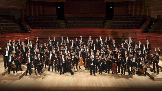 L'Orchestre national de France et son directeur musical Emmanuel Krivine