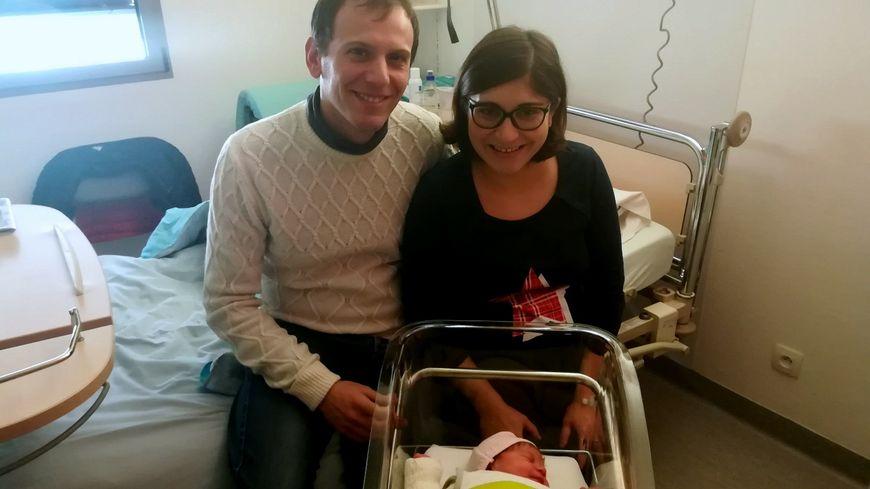 Boris et Aydin, des parents heureux, avec leur petite Sahra