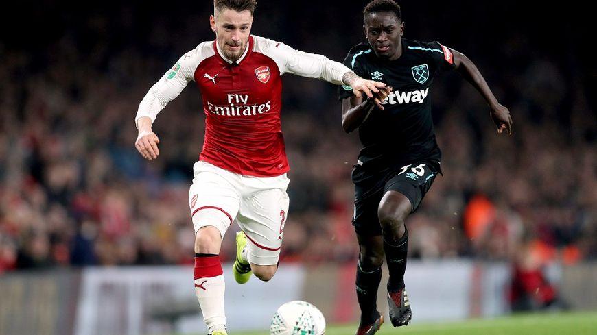 Mathieu Debuchy devrait être libéré par son club actuel, Arsenal.