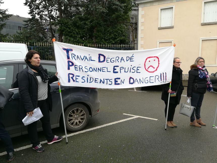 EHPAD : mobilisation devant la Préfecture