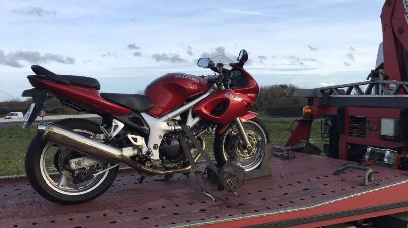 La moto du chauffard partie en fourrière (Page Facebook Gendarmerie Indre-et-Loire)