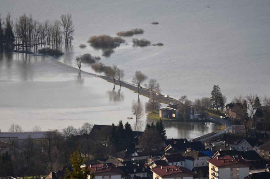 Le Val de Morteau sous les eaux.