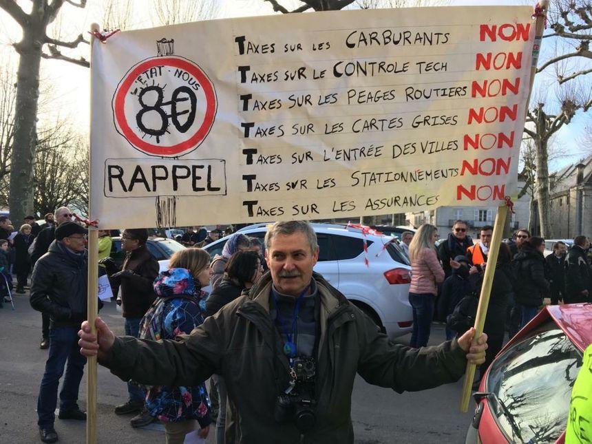 Beaucoup de manifestants s'opposent à la limitation à 80 km/h.