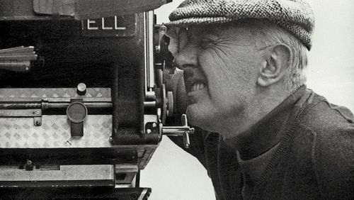 "Jacques Tati : ""On m'a fait couper 'Playtime' pour des raisons commerciales, mais plus on coupe le film, plus il paraît long"""