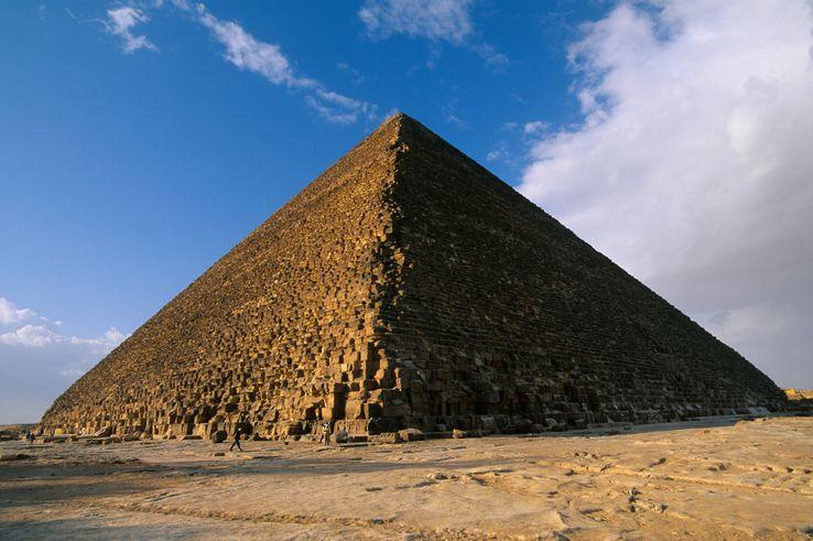 La mission ScanPyramids regroupe des scientifiques français, japonais et égyptiens, elle a été créée en 2015.