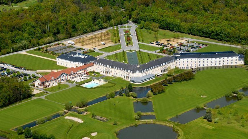 Vue aérienne de l'hôtel Dolce Chantilly