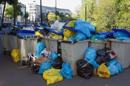 Selon l'Ademe, chaque année en France, un habitant produit 354 kg d'ordures ménagères.