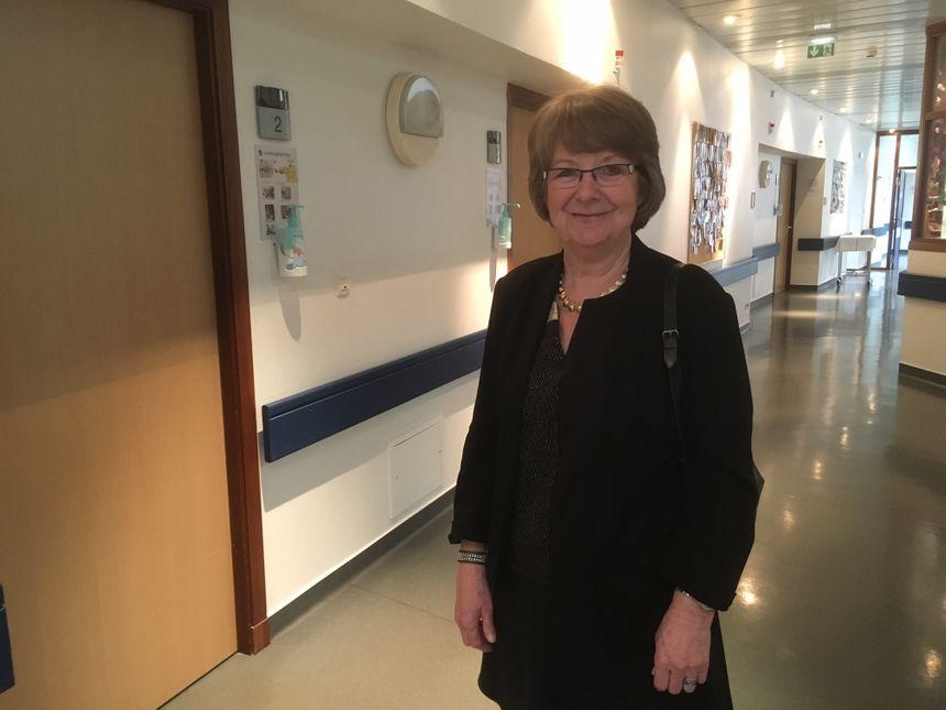 Thérèse Dheygers, le maire de Péronne est venu souhaiter la bienvenue aux nouveaux-nés de ces derniers jours
