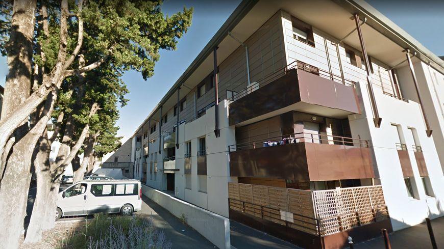Il n'y a plus d'ascenseur depuis plus de quinze jours dans cette résidence de trois étages, avenue du cimetière à Avignon.