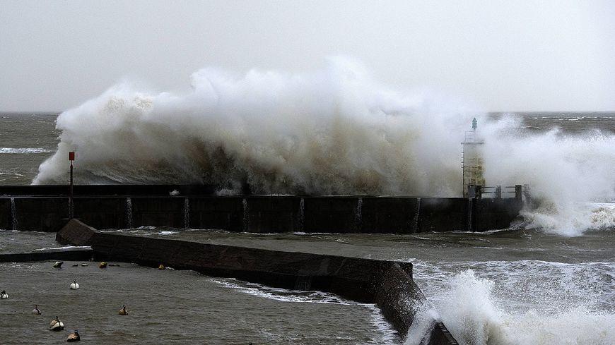 La Manche est placée en vigilance orange vents forts, vagues et submersions