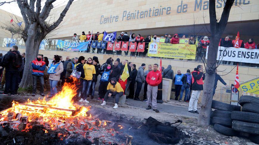 Blocage de la prison des Baumettes à Marseille.