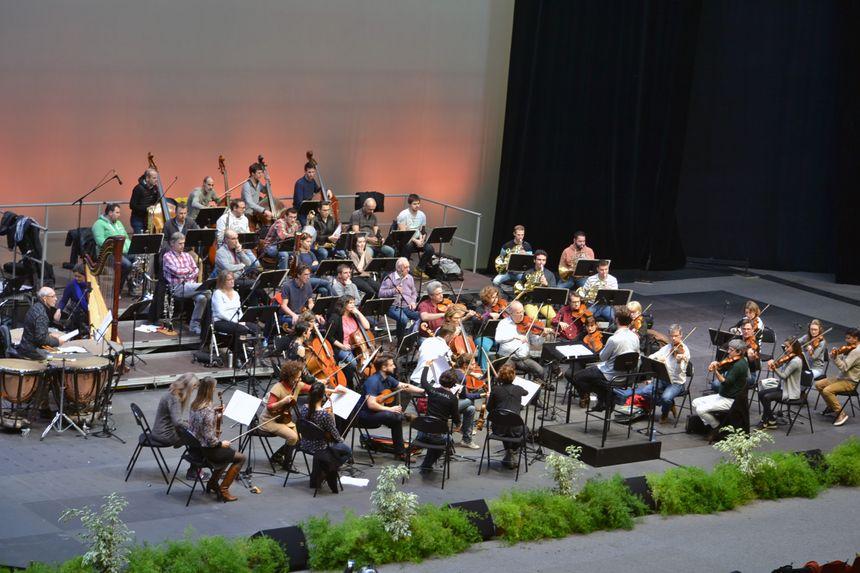 Les musiciens de l'Orchestre régional Bayonne Côte Basque en pleine répétition