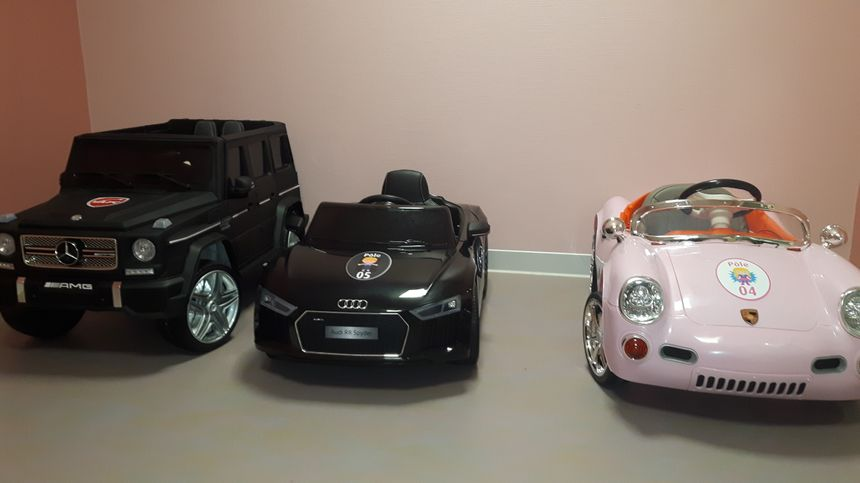 Le garage des voitures électriques dont 1 a été achetée par le club du Vafc