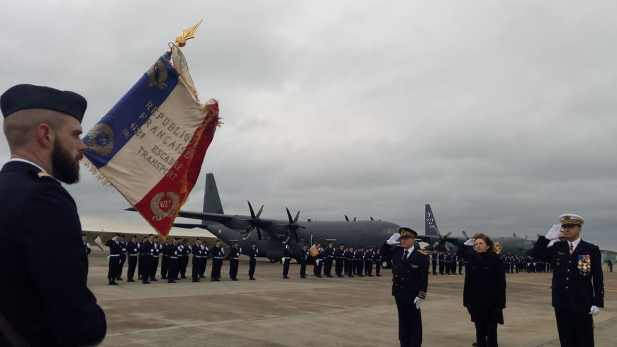La ministre des armées Florence Parly sur la base aérienne d'Orléans-Bricy